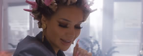 Screenshot Musikvideo: Shirin David - Brillis
