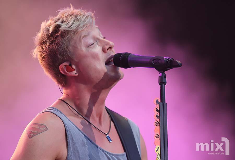 Fotos: Sunrise Avenue (94,3 rs2 Sommerfestival 2013)